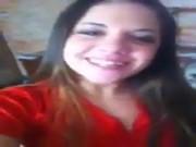Novinha gostosa linda mostrando a buceta brasileira tesuda