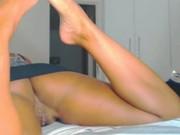 Morena safada boazuda mostrando o rabão e a buceta gostosa na webcam