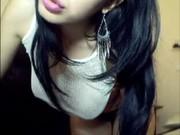 Morena peituda perfeita pagando promessa de se exibir na webcam
