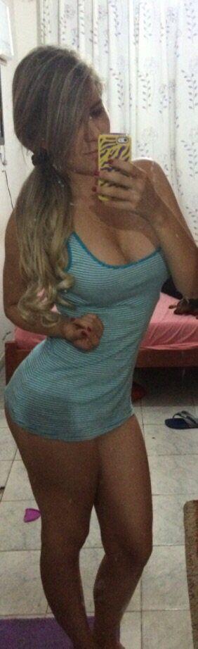 Fotos da Rafaela a loira gostosa que caiu na net