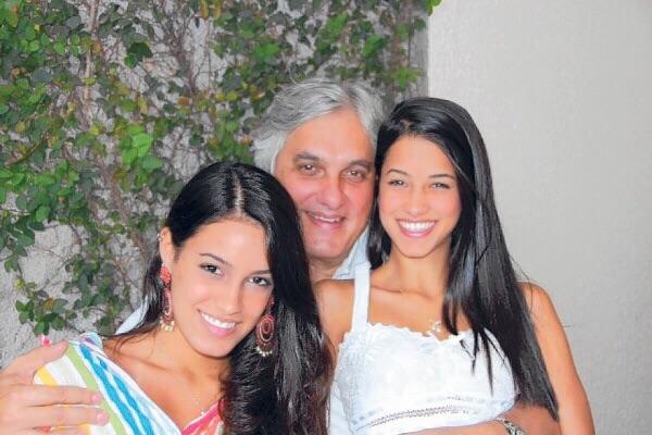 Fotos nudes da filha do senador Delcídio Amaral caem na rede