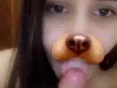 Novinha no Snapchat chupando pica