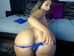 A loira mais sexy e gostosa da webcam se mostrando pelada
