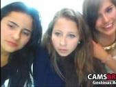 Grupo de novinhas gostosas mostrando os peitos eas bucetas na webcam