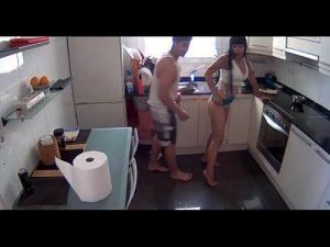 Rapidinha na Cozinha com a Cunhada Gostosa