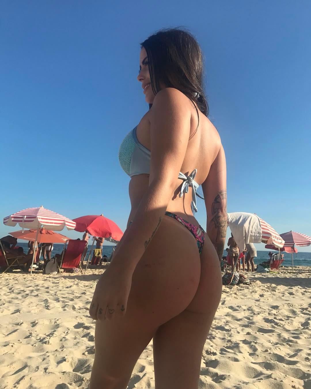 Letícia Vinhoz a Universitária Gostosa dando de Quatro