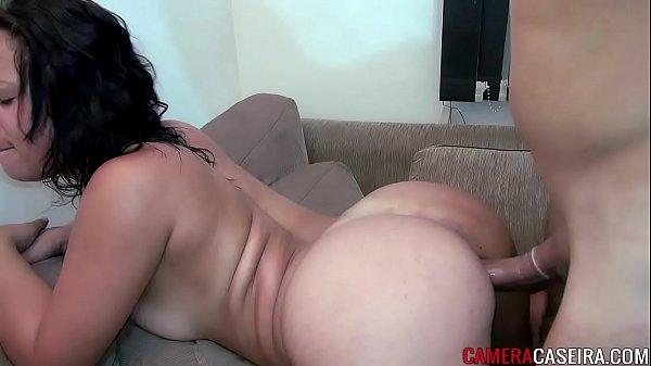 Porno amador HD com a morena bunduda