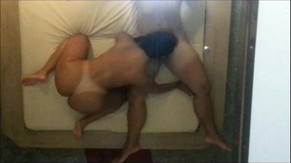 Fudendo a puta no motel depois da balada