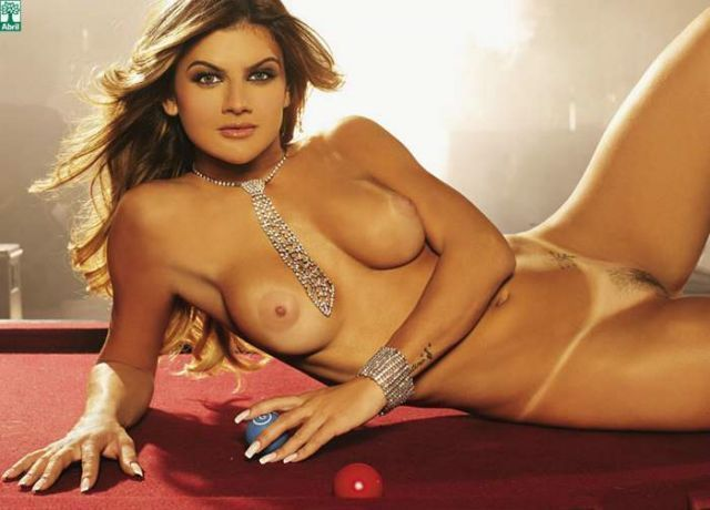 Mirella Santos pelada