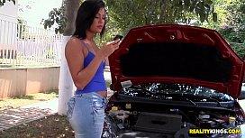 Porno Motor com Juju Rangel