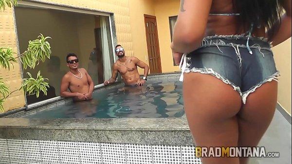 Video porno da Giovanna Ferry fudendo com 3 homens