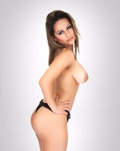 Lanna Carvalho pelada em fotos porno