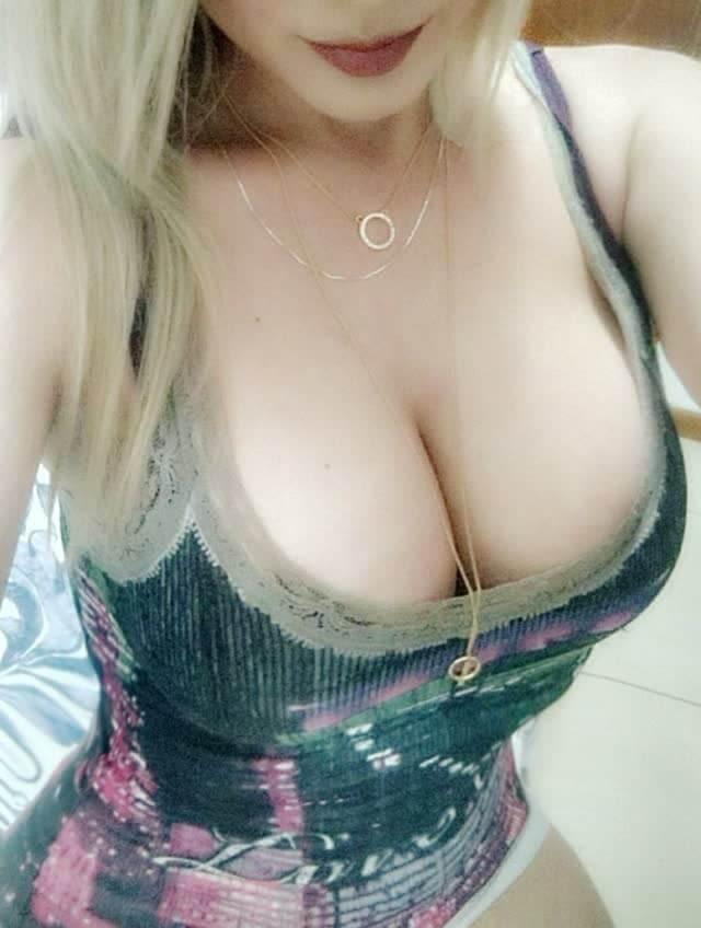 Jessy Ledux nua video porno e fotos pelada na webcam