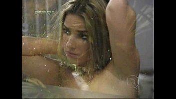 Monique Alfradique pelada em cena de novela video porno